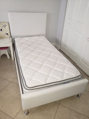 Twin Size Bed-Pillowtop Mattress for Sale in Miami, FL