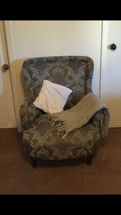 Antique comfortable sofa for Sale in Long Beach,  CA