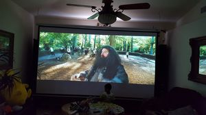Projector with 120 inch screen for Sale in Port St. Lucie, FL
