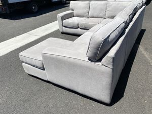 Abbott 3 Piece Sectional Sofa ! Sectional Couch ! Sectional sofa ! Large couch ! Costco couches ! Free delivery for Sale in Berkeley, CA