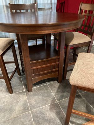 Dining table for Sale in Sugar Land, TX