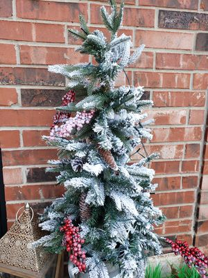 Pre-lit flocked entryway urn Christmas tree for Sale in Plano, TX