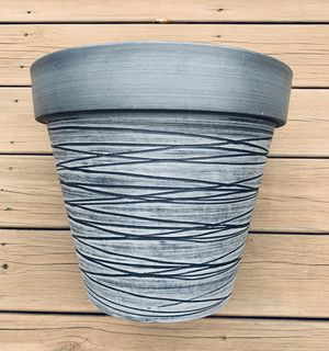 Plant / Flower Pot for Sale in Pittsburgh, PA