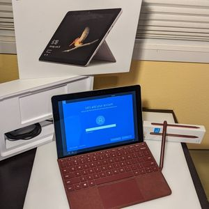 Surface Go 64GB. Great Condition. W/ Stylist And Keyboard for Sale in Happy Valley, OR