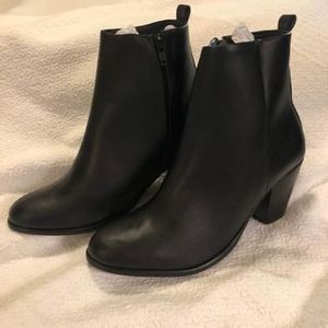 Novacas Dayna ankle boot sz 42/US women's 11 for Sale in Oakland, CA