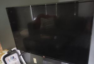 LG 49 inch 4K TV 49UH6030 for Sale in Cleveland, OH
