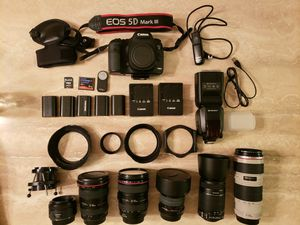 Incredible bundle! Canon 5D Mark III+lenses and extras for Sale in Kirkland, WA