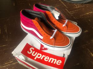 Supreme Vans Size 10 for Sale in Lowell, MA