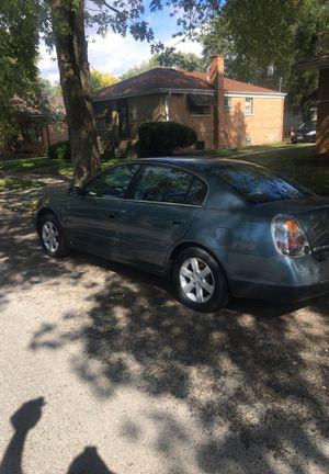 Nissan Altima 2001 1700 obo for Sale in Chicago, IL