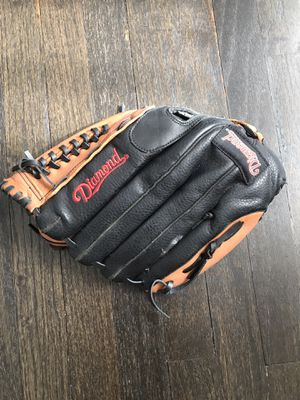 Diamond baseball glove ⚾️ for Sale in Parma, OH