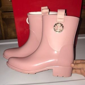 Size 10 Guess Rain Boots for Sale in Chattanooga, TN