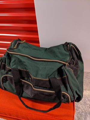 Medium Duffle bag for Sale in Sterling, VA