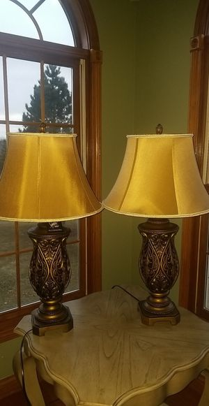 **GORGEOUS TABLE LAMPS** for Sale in Elgin, IL