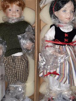 Porcelain dolls By ASHTON DRAKE for Sale in Federal Way,  WA