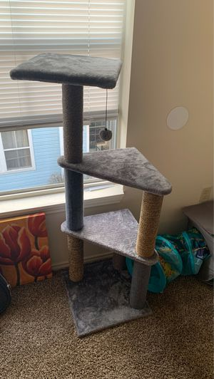 Cat stand for Sale in Raytown, MO