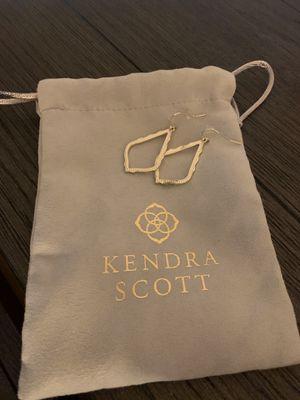 Kendra Scott Earrings for Sale in Buford, GA