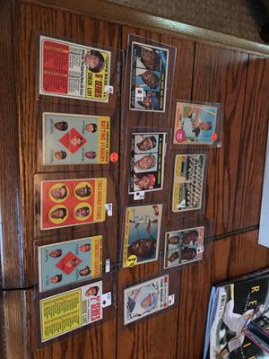 Vintage Baseball Cards. 50's & 60's for Sale in Murfreesboro, TN