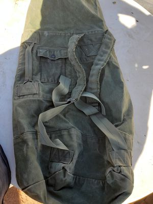Army duffle bag for Sale in Apple Valley, CA