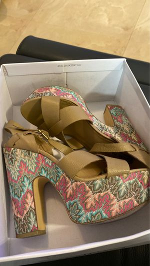 Steve Madden heels size 7 1/2 for Sale in Miami, FL