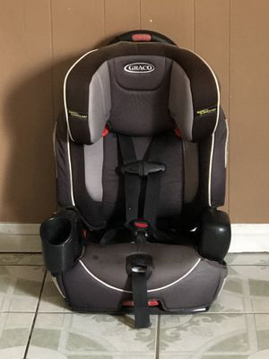 GRACO NAUTILUS CONVERTIBLE CAR SEAT 3 in 1 for Sale in Jurupa Valley, CA