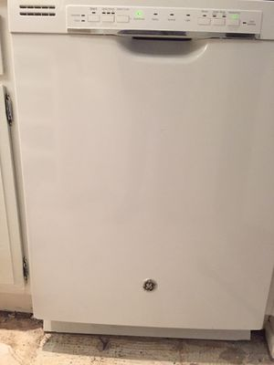 GE Dishwasher for Sale in West Hollywood, CA