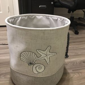 Laundry Basket for Sale in Dallas, TX