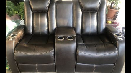 Leather Sofa for Sale in Anaheim,  CA