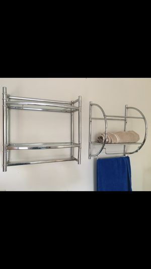 2 bathroom shelves for Sale in Carpentersville, IL