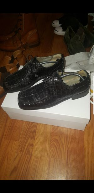 Black Mauri Crocodile Shoes! Brown Cole Hahn Boots! Brown Hightop Leather Converse! Beige Flat Pocket London Fog! Green Ski Jacket! for Sale in Oxon Hill, MD