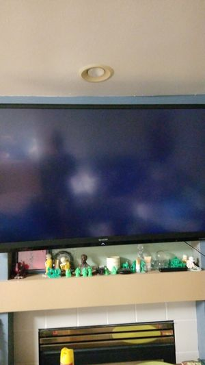 "60"" inch sharp aquos tv for Sale in Kent, WA"