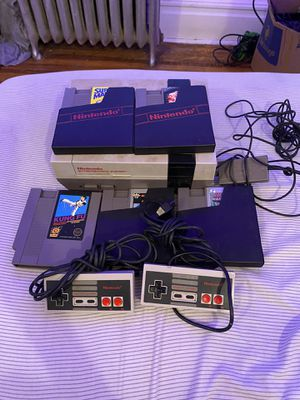NES 2 controllers, 5 games for Sale in City of Orange, NJ