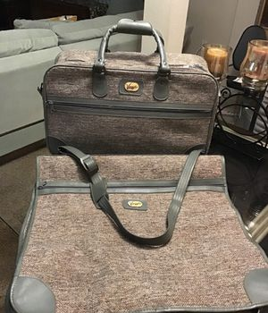 Luggage 2 pieces Carry-On and Hanging Garment Bag by Viaggio $15 OBO for Sale in Orlando, FL
