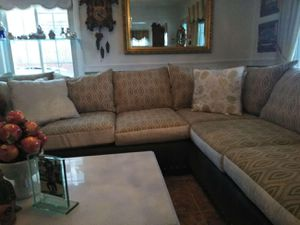 Lightly used beautiful couch for Sale in Detroit, MI