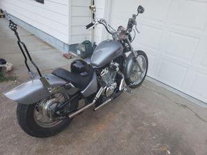 Honda 2004 600cc Deluxe bobber for Sale in Racine, OH