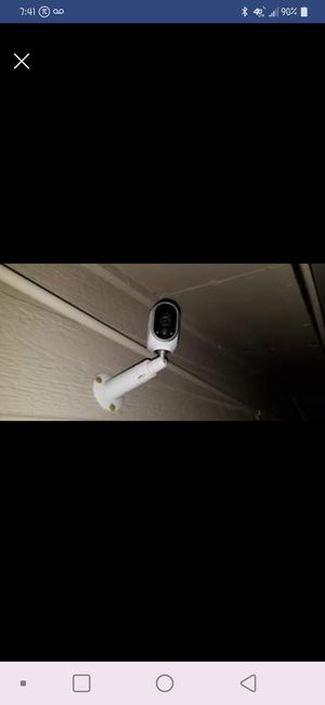 3 wireless Arlo security cameras w/ station plus more for Sale in Arlington, TX