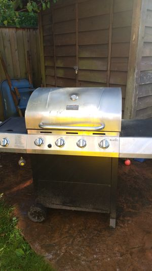 Char-broil propane grill for Sale in Seattle, WA