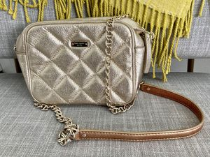 Kate Spade purse (gold) for Sale in Tampa, FL
