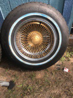15 inch gold and chrome Dayton's with new tires for Sale in Winter Haven, FL
