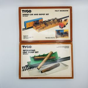 TYCO HO Scale Horse Car Depot and Operating Log Dump Sets Vintage 1980s 869 952 Model Train for Sale in Chevy Chase, MD