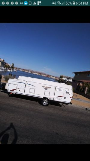 Camper trailer for Sale in Victorville, CA