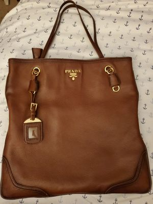 Med/large leather tote for Sale in Lexington, KY
