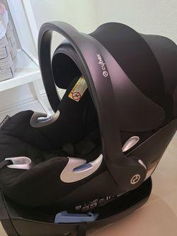CYBEX PLATINUM CAR SEAT for Sale in Tampa,  FL