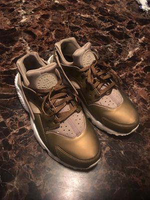 Nike Hurrache limited addition size 8wm for Sale in Tallahassee, FL
