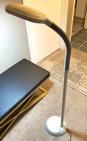 Gooseneck adjustable floor lamp for Sale in Issaquah, WA