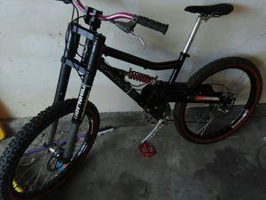 Santa Cruz Super 8 down hill race bike for Sale in Pleasanton, CA
