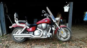 2007 Honda VTX 1800C, 1800 miles, Bike has a windshield, mustang seat front and back with back rest, kurayaken highway bars & and footpegs! Price for Sale in Jonesville, LA