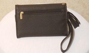 Rue 21 wristlet phone case wallet new for Sale in Las Vegas, NV