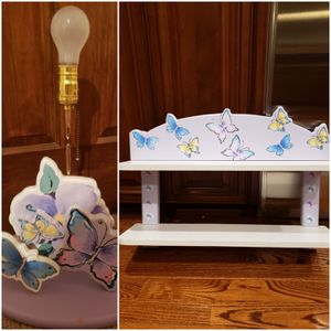 Butterfly shelf and lamp set for Sale in Naperville, IL