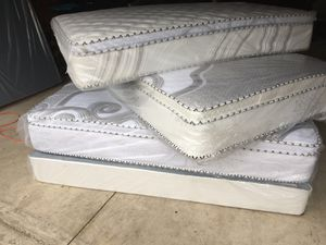 Orthopedic Pillowtop Mattress And Boxspring for Sale in Broadview, IL