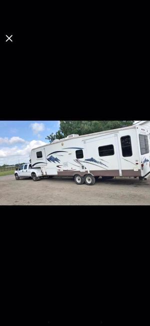 2004 Montana Mountaineer for Sale in Dallas, TX